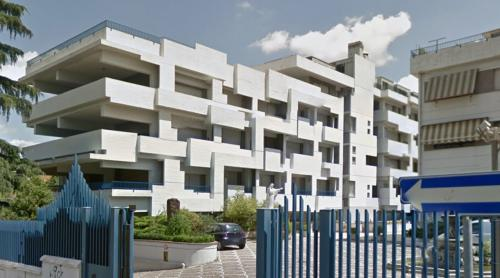 Edificio Pluriuso (Roma, Italy)
